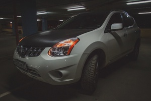 Автомобиль Nissan Rogue, хорошее состояние, 2011 года выпуска, цена 650 000 руб., Москва