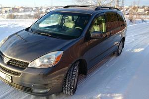 Автомобиль Toyota Sienna, хорошее состояние, 2004 года выпуска, цена 775 000 руб., Москва