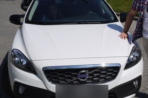 Автомобиль Volvo V40, отличное состояние, 2013 года выпуска, цена 1 290 000 руб., Москва