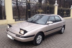 Автомобиль Mazda 323, отличное состояние, 1992 года выпуска, цена 275 000 руб., Москва