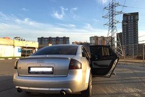Подержанный автомобиль Audi S6, хорошее состояние, 2000 года выпуска, цена 290 000 руб., Москва