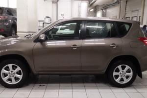 Подержанный автомобиль Toyota RAV4, отличное состояние, 2011 года выпуска, цена 920 000 руб., Челябинск