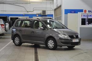 Авто Volkswagen Touran, 2008 года выпуска, цена 439 000 руб., Санкт-Петербург
