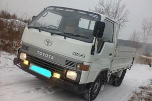Автомобиль Toyota Hiace, хорошее состояние, 1989 года выпуска, цена 280 000 руб., Владивосток