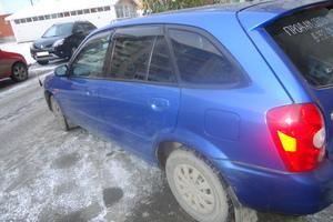 Автомобиль Mazda Familia, хорошее состояние, 2002 года выпуска, цена 220 000 руб., Томск