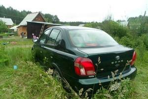 Автомобиль Toyota Echo, среднее состояние, 2001 года выпуска, цена 215 000 руб., Екатеринбург