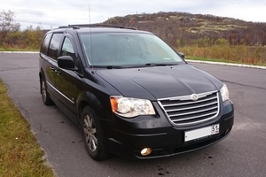 Автомобиль Chrysler Town and Country, хорошее состояние, 2009 года выпуска, цена 1 180 000 руб., Мурманск