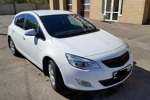 Автомобиль Opel Astra, отличное состояние, 2011 года выпуска, цена 510 000 руб., Смоленск