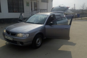 Автомобиль Nissan Wingroad, хорошее состояние, 2000 года выпуска, цена 170 000 руб., Новосибирск