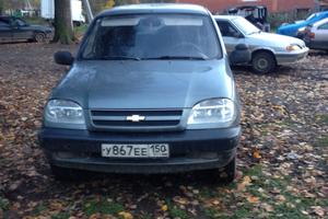 Подержанный автомобиль Chevrolet Niva, среднее состояние, 2005 года выпуска, цена 135 000 руб., Московская область