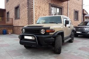 Автомобиль Toyota FJ Cruiser, отличное состояние, 2011 года выпуска, цена 1 800 000 руб., Иркутск