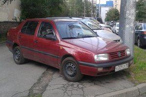 Автомобиль Volkswagen Vento, среднее состояние, 1992 года выпуска, цена 95 000 руб., Санкт-Петербург