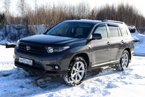 Автомобиль Toyota Highlander, хорошее состояние, 2011 года выпуска, цена 1 350 000 руб., Белоярский
