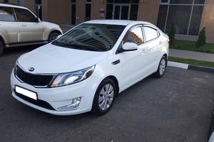 Подержанный автомобиль Kia Rio, хорошее состояние, 2013 года выпуска, цена 490 000 руб., Казань