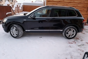 Автомобиль Volkswagen Touareg, отличное состояние, 2014 года выпуска, цена 2 300 000 руб., Ханты-Мансийск