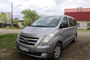 Подержанный автомобиль Hyundai H-1, хорошее состояние, 2013 года выпуска, цена 1 250 000 руб., Челябинск
