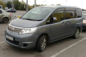 Автомобиль Nissan Serena, хорошее состояние, 2010 года выпуска, цена 710 000 руб., Омск