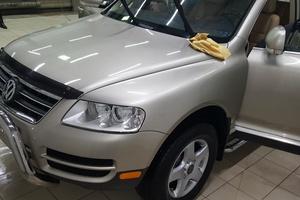 Автомобиль Volkswagen Touareg, отличное состояние, 2004 года выпуска, цена 650 000 руб., Сургут