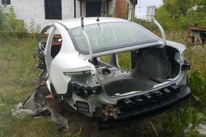 Автомобиль Renault Fluence, битый состояние, 2014 года выпуска, цена 100 000 руб., Электроугли
