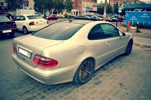 Автомобиль Mercedes-Benz CLK-Класс, хорошее состояние, 2001 года выпуска, цена 300 000 руб., Архангельск