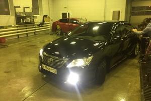 Подержанный автомобиль Toyota Camry, хорошее состояние, 2013 года выпуска, цена 950 000 руб., Челябинск