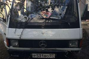 Автомобиль Mercedes-Benz MB, битый состояние, 1991 года выпуска, цена 65 000 руб., Нальчик