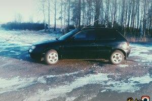 Автомобиль Suzuki Baleno, хорошее состояние, 2000 года выпуска, цена 100 000 руб., Великий Новгород