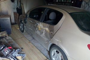 Подержанный автомобиль Peugeot 206, битый состояние, 2007 года выпуска, цена 70 000 руб., Ханты-Мансийск