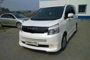 Автомобиль Toyota Voxy, отличное состояние, 2008 года выпуска, цена 740 000 руб., Ачинск