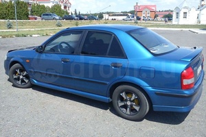 Автомобиль Mazda 323, хорошее состояние, 1999 года выпуска, цена 165 000 руб., Рязань