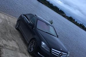 Подержанный автомобиль Mercedes-Benz C-Класс, отличное состояние, 2011 года выпуска, цена 1 300 000 руб., Сургут