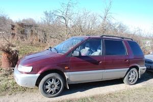 Автомобиль Mitsubishi Space Wagon, среднее состояние, 1996 года выпуска, цена 80 000 руб., Красное Село