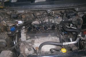 Автомобиль Nissan Prairie, среднее состояние, 2001 года выпуска, цена 200 000 руб., Пермь