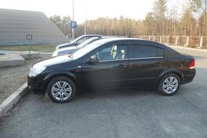 Подержанный автомобиль Opel Astra, хорошее состояние, 2010 года выпуска, цена 460 000 руб., Нефтеюганск