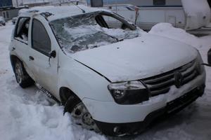 Подержанный автомобиль Renault Duster, битый состояние, 2014 года выпуска, цена 265 000 руб., Московская область