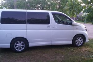 Автомобиль Nissan Elgrand, хорошее состояние, 2004 года выпуска, цена 410 000 руб., Краснодар
