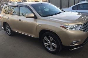 Автомобиль Toyota Highlander, хорошее состояние, 2011 года выпуска, цена 1 350 000 руб., Казань