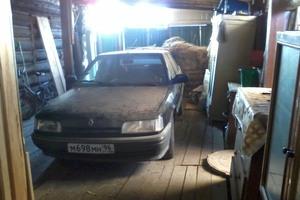 Автомобиль Renault 21, среднее состояние, 1990 года выпуска, цена 60 000 руб., Екатеринбург