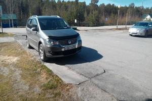Подержанный автомобиль Volkswagen Touran, отличное состояние, 2008 года выпуска, цена 490 000 руб., Ханты-Мансийск