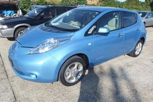 Автомобиль Nissan Leaf, отличное состояние, 2011 года выпуска, цена 645 000 руб., Нижний Новгород