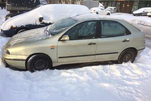 Автомобиль Fiat Brava, среднее состояние, 1999 года выпуска, цена 50 000 руб., Москва