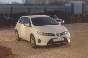 Подержанный автомобиль Toyota Auris, хорошее состояние, 2013 года выпуска, цена 800 000 руб., Ногинск