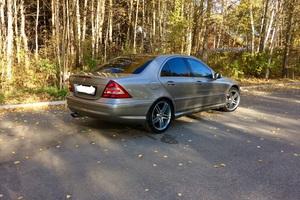 Подержанный автомобиль Mercedes-Benz C-Класс, отличное состояние, 2005 года выпуска, цена 590 000 руб., Сургут