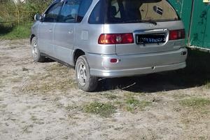Автомобиль Toyota Ipsum, хорошее состояние, 1998 года выпуска, цена 280 000 руб., Сургут