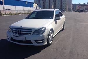 Подержанный автомобиль Mercedes-Benz C-Класс, хорошее состояние, 2011 года выпуска, цена 950 000 руб., Сургут