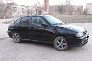 Автомобиль SEAT Cordoba, среднее состояние, 1997 года выпуска, цена 100 000 руб., Волгоград