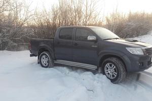 Автомобиль Toyota Hilux, хорошее состояние, 2013 года выпуска, цена 1 550 000 руб., Казань