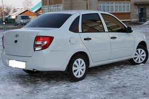 Подержанный автомобиль ВАЗ (Lada) Granta, отличное состояние, 2015 года выпуска, цена 370 000 руб., Смоленск