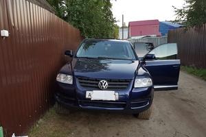 Автомобиль Volkswagen Touareg, хорошее состояние, 2005 года выпуска, цена 750 000 руб., Нижневартовск