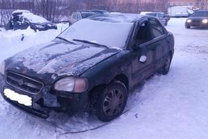 Автомобиль Suzuki Baleno, битый состояние, 1999 года выпуска, цена 30 000 руб., Подольск